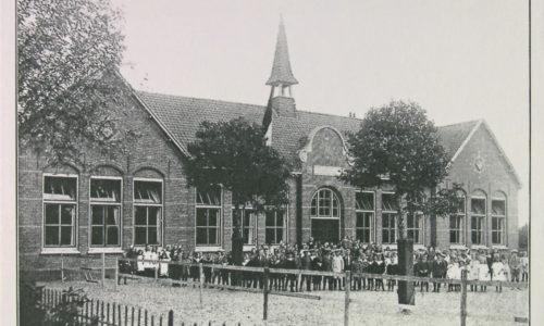 Maasland, Geref. School,Klim-op (A-01979-1-72)
