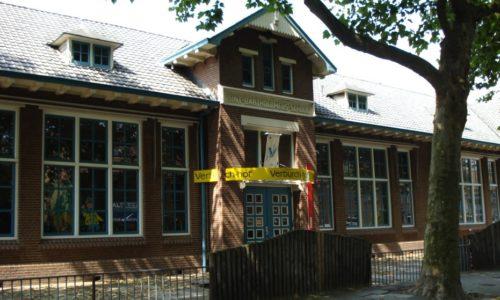 1923 Sint Bartholomeusschool (2005).
