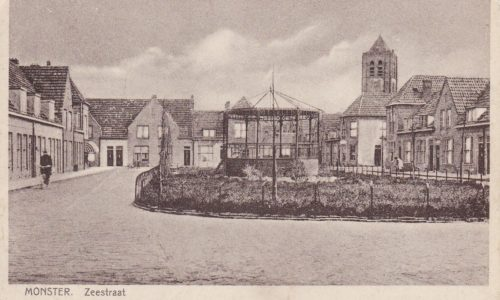 Zeestraat met links winkel Van Leeuwen