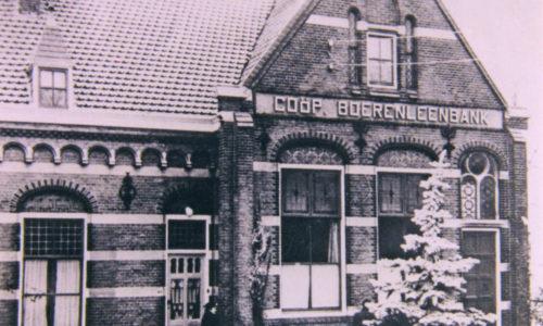 R.K.-school en bank aan de Kerkweg